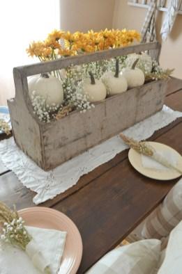 Simple Fall Table Decoration Ideas 32
