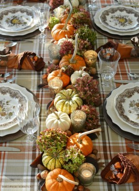 Simple Fall Table Decoration Ideas 34