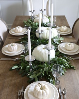 Simple Fall Table Decoration Ideas 35