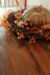 Simple Fall Table Decoration Ideas 50