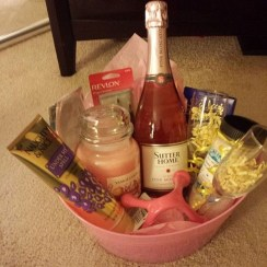 Stylish DIY Wine Gift Baskets Ideas 04