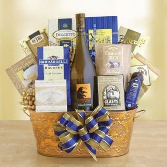 Stylish DIY Wine Gift Baskets Ideas 08