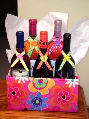 Stylish DIY Wine Gift Baskets Ideas 10