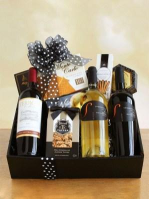 Stylish DIY Wine Gift Baskets Ideas 11