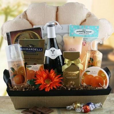 Stylish DIY Wine Gift Baskets Ideas 13