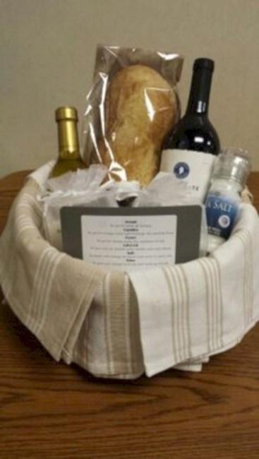 Stylish DIY Wine Gift Baskets Ideas 17