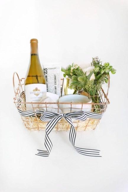 Stylish DIY Wine Gift Baskets Ideas 20