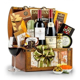 Stylish DIY Wine Gift Baskets Ideas 40