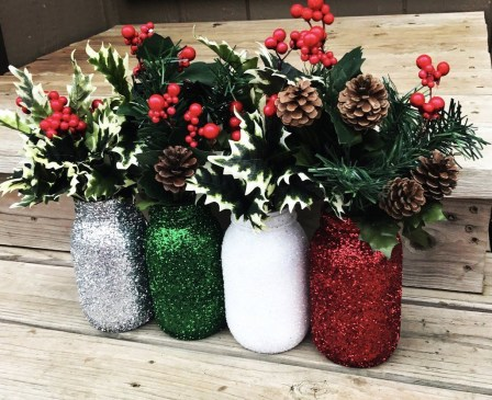 Super Easy DIY Christmas Decor Ideas For This Year 41