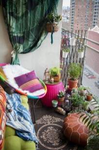 Unique Apartment Small Porch Decorating Ideas 11