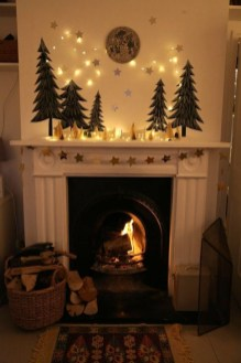 Awesome Fireplace Christmas Decoration To Makes Your Home Keep Warm 01