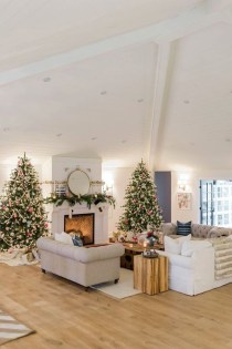 Awesome Fireplace Christmas Decoration To Makes Your Home Keep Warm 10