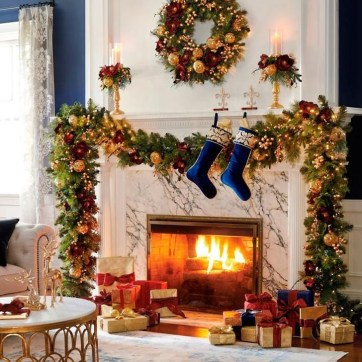 Awesome Fireplace Christmas Decoration To Makes Your Home Keep Warm 18