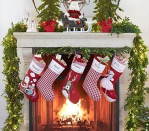 Awesome Fireplace Christmas Decoration To Makes Your Home Keep Warm 19