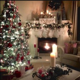 Awesome Fireplace Christmas Decoration To Makes Your Home Keep Warm 21