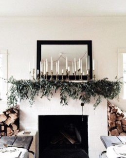 Awesome Fireplace Christmas Decoration To Makes Your Home Keep Warm 43