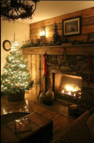 Awesome Fireplace Christmas Decoration To Makes Your Home Keep Warm 48