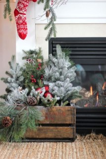 Awesome Fireplace Christmas Decoration To Makes Your Home Keep Warm 52