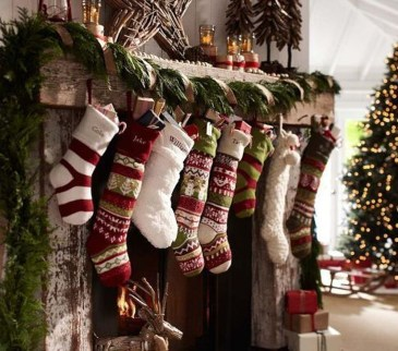 Awesome Fireplace Christmas Decoration To Makes Your Home Keep Warm 54