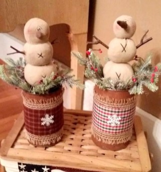 Cozy Rustic Winter Decoration For Your Home 08