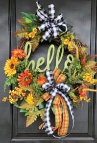 Creative Thanksgiving Front Door Decoration Ideas 05