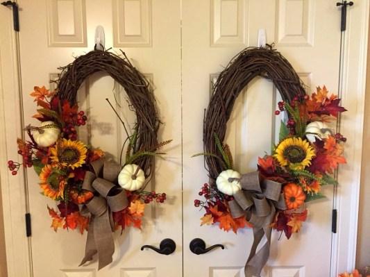Creative Thanksgiving Front Door Decoration Ideas 06