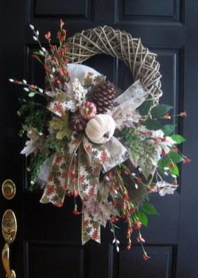 Creative Thanksgiving Front Door Decoration Ideas 08