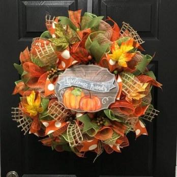 Creative Thanksgiving Front Door Decoration Ideas 26