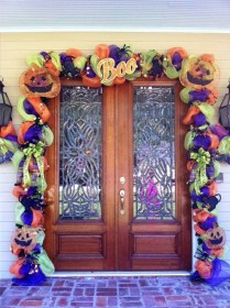 Creative Thanksgiving Front Door Decoration Ideas 27