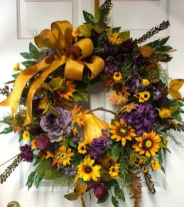 Creative Thanksgiving Front Door Decoration Ideas 39