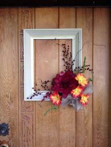 Creative Thanksgiving Front Door Decoration Ideas 47