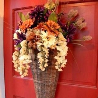 Creative Thanksgiving Front Door Decoration Ideas 50