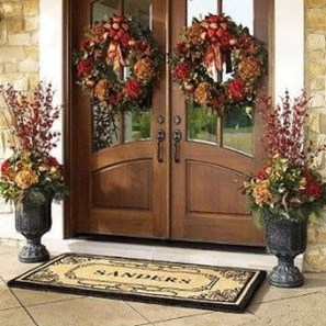 Creative Thanksgiving Front Door Decoration Ideas 55