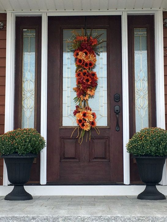 Creative Thanksgiving Front Door Decoration Ideas 60