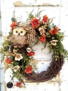 Easy DIY Outdoor Winter Wreath For Your Door 14