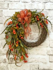 Easy DIY Outdoor Winter Wreath For Your Door 19