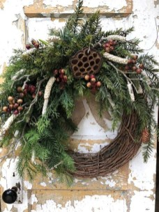 Easy DIY Outdoor Winter Wreath For Your Door 39
