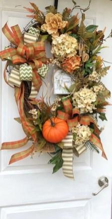 Easy DIY Outdoor Winter Wreath For Your Door 43