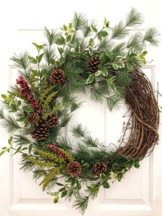 Easy DIY Outdoor Winter Wreath For Your Door 48