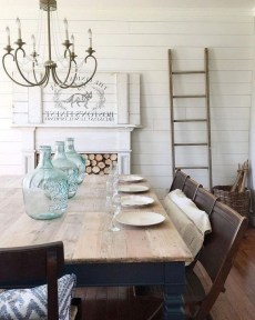 Easy Rustic Farmhouse Dining Room Makeover Ideas 26