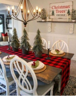 Fabulous Christmas Decoration Ideas For Small House 26