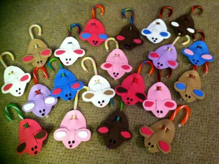 Fun Candy Cane Christmas Decoration Ideas 29