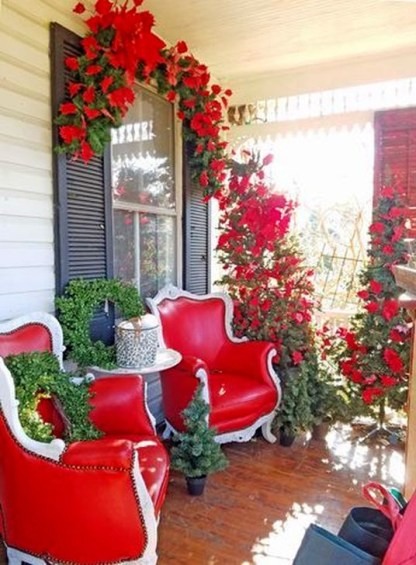 Joyful Front Porch Christmas Decoration Ideas 18