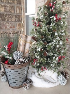 Joyful Front Porch Christmas Decoration Ideas 23