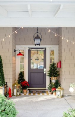 Joyful Front Porch Christmas Decoration Ideas 27