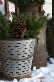 Joyful Front Porch Christmas Decoration Ideas 42