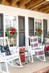 Joyful Front Porch Christmas Decoration Ideas 50