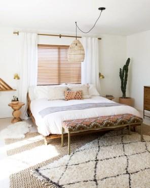 Minimalist But Beautiful White Bedroom Design Ideas 36