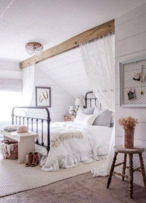 Minimalist But Beautiful White Bedroom Design Ideas 44