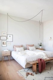 Minimalist But Beautiful White Bedroom Design Ideas 49